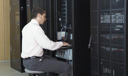 personne controlant un serveur dédié